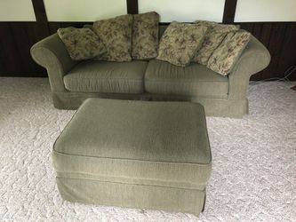 Sleeper sofa for Sale in Macedonia,  OH