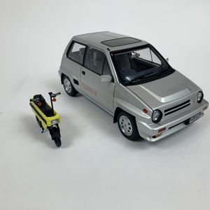AUTOart 1/18 vehicle Millennium Honda City Turbo with Motocompo Scooter for Sale in Ontario, CA