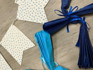 Blue & white party decor kit for Sale in Palo Alto, CA