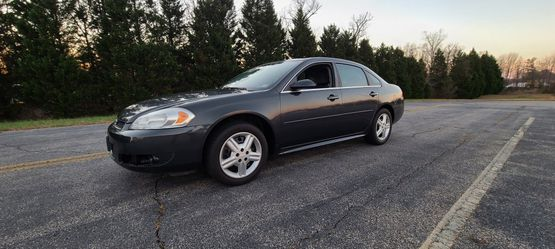 2013 CHEVY IMPALA IN EXCELLENT CONDITION RUNS GREAT LOW MILES for Sale in Spotsylvania Courthouse,  VA