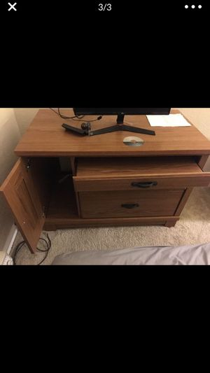 Desk for Sale in Affton, MO
