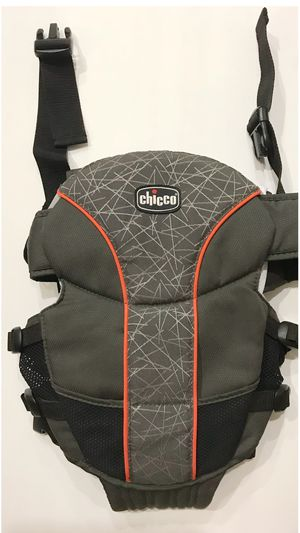 Chicco 2 way front/rear Adjustable Backpack Baby Carrier for Sale in Fontana, CA