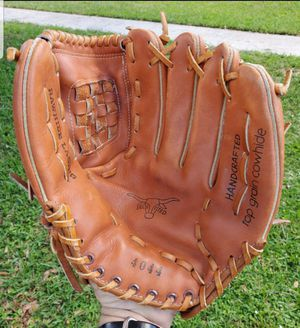 HANDCRAFTED TOP GRAIN COWHIDE BASEBALL/SOFTBALL GLOVE #4044 12 INCH for Sale in Boca Raton, FL