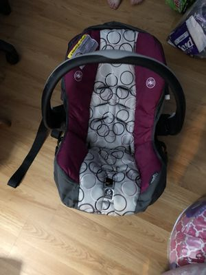 Evenflo Embrace Select Infant Car Seat With SureSafe Installation for Sale in Falls Church, VA