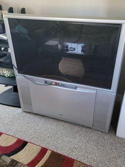 Hitachi Color TV On Wheels for Sale in Nashville,  TN