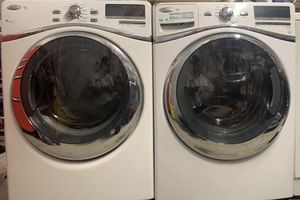 Whirlpool duet washer and dryer for Sale in Gardena, CA