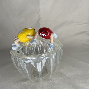 M&M'S Vintage Plastic Candy Dish Bowl With Lid Red/Yellow for Sale in Gresham, OR