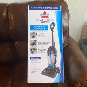 Vacuum cleaner for Sale in Clermont, FL
