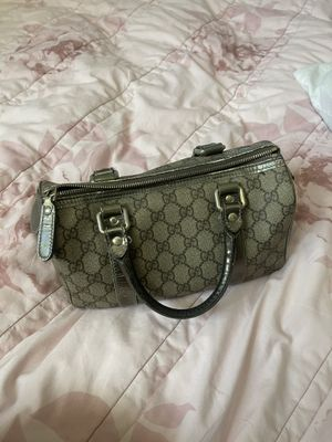 Gucci small hand bag authentic for Sale in El Monte, CA