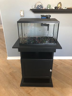 10 Gallon fish tank with stand for Sale in Winchester, CA