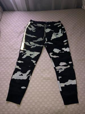 Nike tech fleece sweats XL for Sale in Sacramento, CA