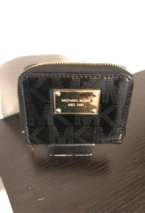 Small Micheal kors wallet for Sale in Irvine, CA