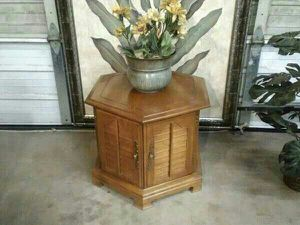 Pretty Hexagon Vintage Table Cabinet for Sale in Oklahoma City, OK