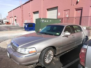 2003 Lincoln Town Car 105k for Sale in Sterling, VA