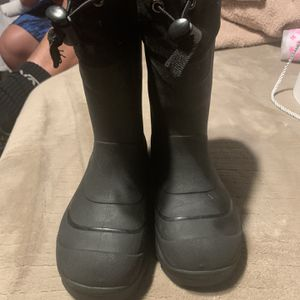 Girl Size 12 Snow/rain Boots for Sale in Pico Rivera, CA
