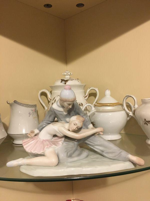 "Ballerina and clown figurine ""closing scene"""