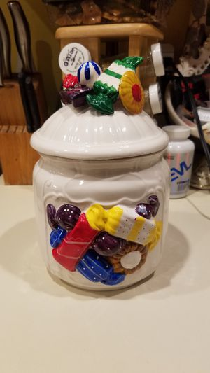 Sophia-ann sitco importing candy decorative canister for Sale in Coral Springs, FL