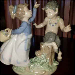 Lladro Porcelain Figurine for Sale in Riverside, CA