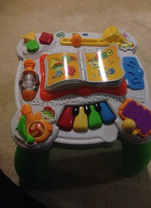 LEAP FROG LEARN AND GROOVE BILINGUAL MUSICAL TABLE for Sale in Washington, MD