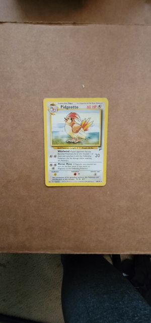 Base Set Pidgeotto 28/130 Wizards of the Coast pokemon card Near Mint for Sale in Manteca, CA