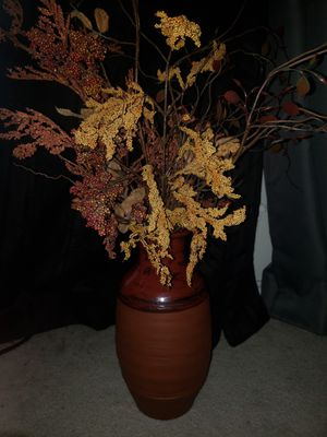 Vintage vase with flowers / home decor for Sale in Conroe, TX