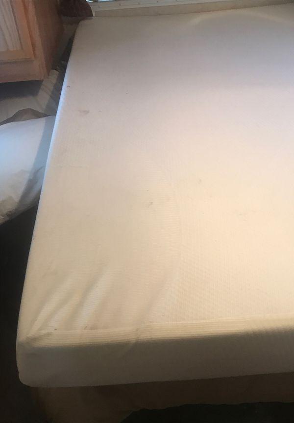 QUEEN BED BRAND NEW Tempur-pedic foam mattress