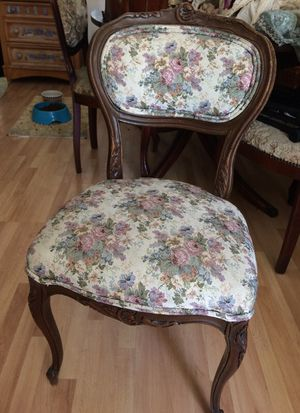 French Louis Xv style chair for Sale in Los Angeles, CA