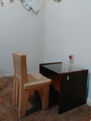 kids table and chair for Sale in Reisterstown, MD