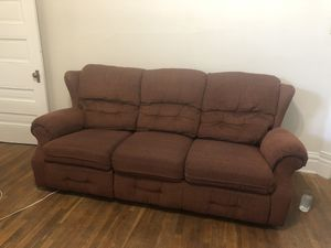 Free couch! Must be picked up for Sale in ARSENAL, PA