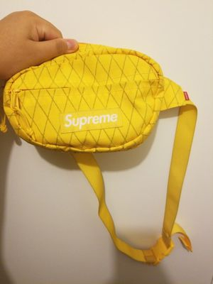 Real supreme fanny pack for Sale in Montgomery Village, MD