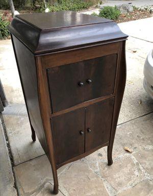 Antique Victrola cabinet for Sale in Orange, CA