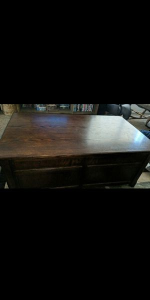 Nice wood coffee table for Sale in Mesa, AZ