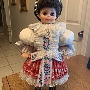 "Vintage Vinyl Blinking Blue Eyed Dark Haired European Doll Gorgeous Outfit 18"" for Sale in Chandler, AZ"
