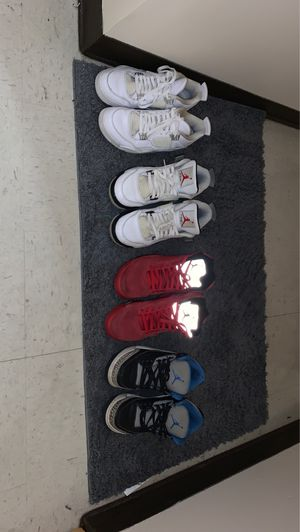 White 4s sz 11 / Black&white 4s sz 11 / Red 5s sz 11 / Blue 3s sz10 for Sale in Charleston, WV