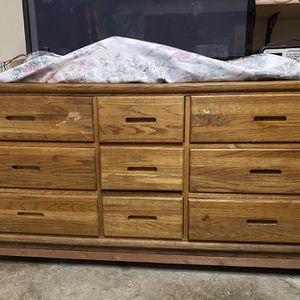 Free Dresser for Sale in Watsonville, CA