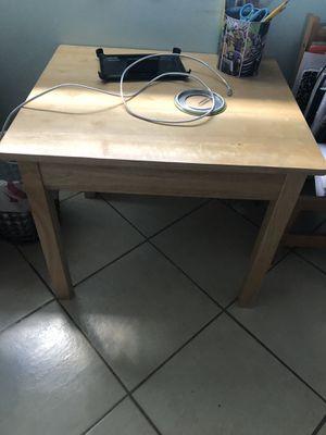 Kids Wooden Desk for Sale in Pembroke Pines, FL