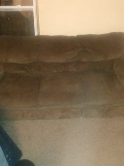 Brown Couch for Sale in O'Fallon,  IL