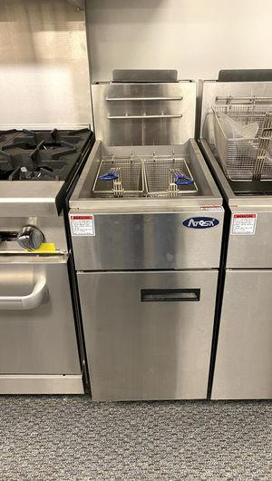 Commercial gas deep fryer for Sale in Kent, WA