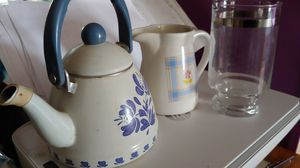 Coffe pot, creamer, glass beaker for mixing drinks for Sale in Wimauma, FL