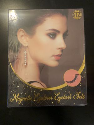 Magnetic eyelash and eyeliner set for Sale in Rancho Cucamonga, CA