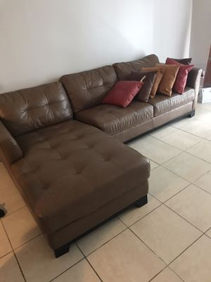 Brown sectional for Sale in Fort Lauderdale, FL