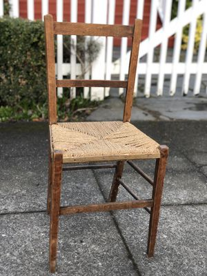 Darling Antique Rush Chair! Old! for Sale in Seattle, WA