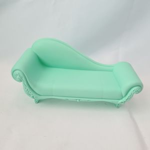 Disney Frozen Castle by Mattel Replacement Couch Mint Green Rare for Sale in St. Petersburg, FL