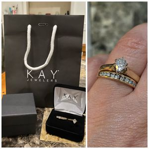 14k Yellow Gold Kay set pear shaped .50ctw Diamond solitaire engagement ring and .50ctw wedding band set size 7 for Sale in Newark, NJ