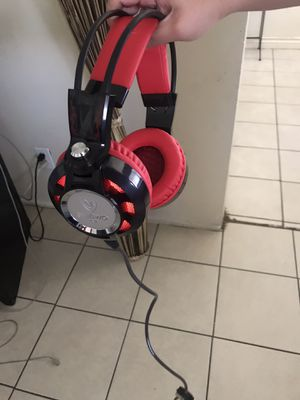 Gaming Headphones for Xbox One & ps4 chat headset wit mic No delivery pickup only for Sale in Vernon, CA