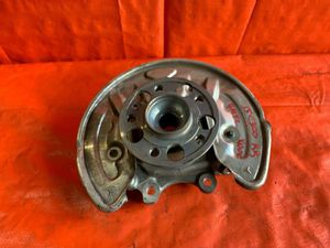 OEM 2015 MERCEDES BENZ C300 W205 4MATIC - PASSENGER RIGHT REAR SPINDLE KNUCKLE for Sale in Miami Gardens, FL