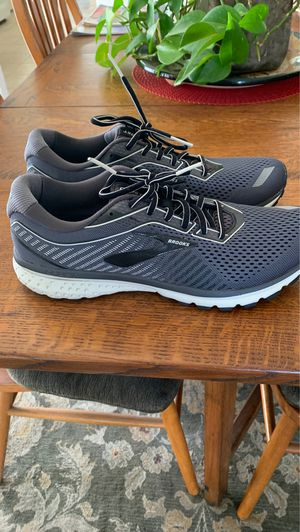 Men's Brooks Ghost 12 Running shoes for Sale in Long Beach, CA