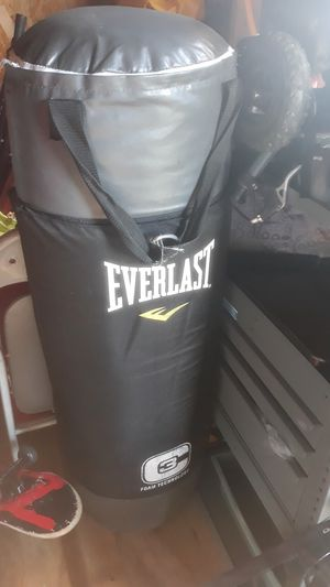 EVERLAST punching bag for Sale in Perryville, MD