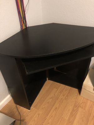 Black corner desk for Sale in San Diego, CA
