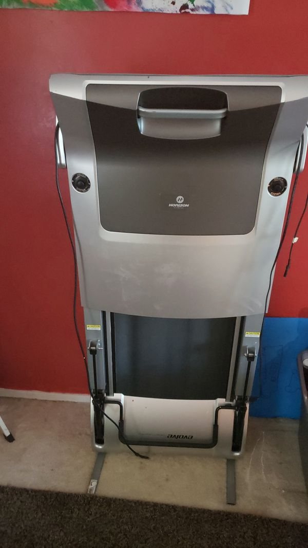 Horizon compact treadmill